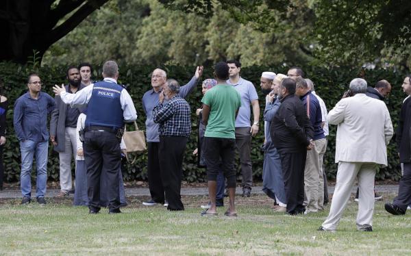 بالصور: ضبط متفجرات واعتقال 4 بينهم إمرأة بعد هجوم دموي على مسجدين بنيوزلندا