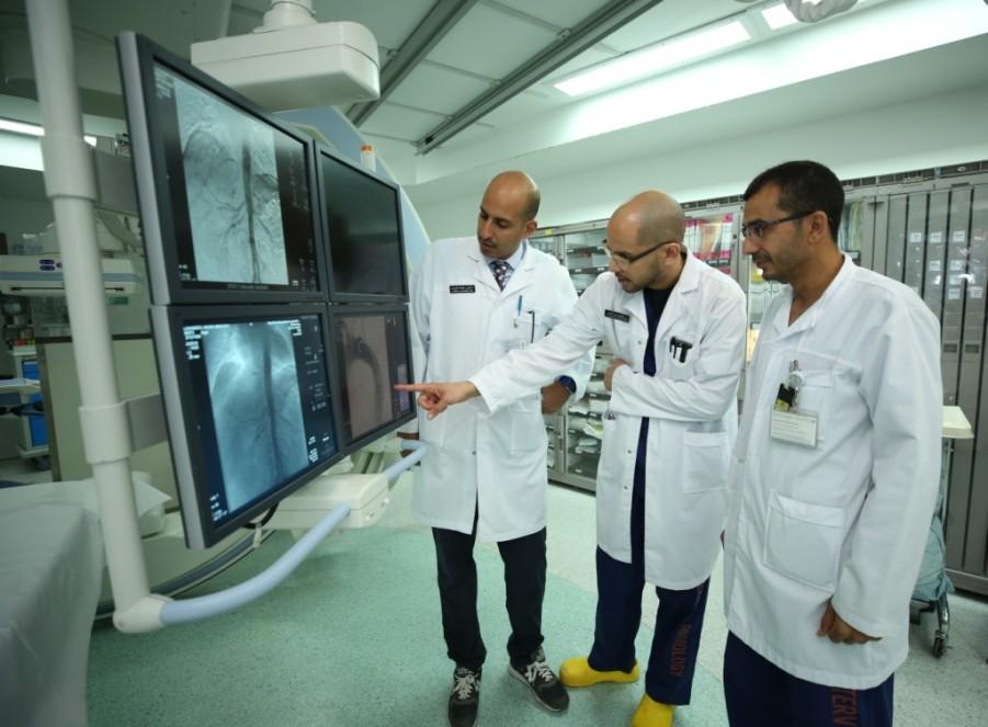 عبر عملية نوعية: «التخصصي» ينقذ مريضاً في العقد السابع