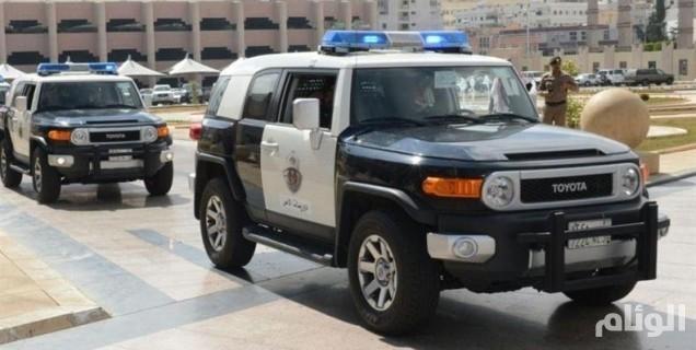 شرطة عسير تلقي القبض على متهمين بطعن عامل بمحطة وقود