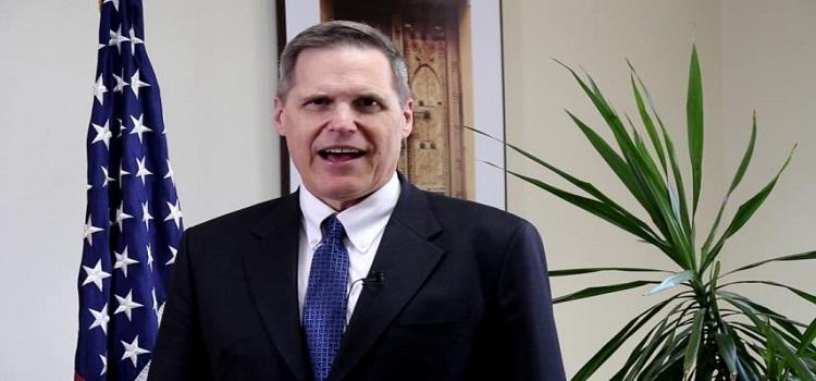 السفير الأمريكي في اليمن يطالب بحصر السلاح في يد الدولة فقط