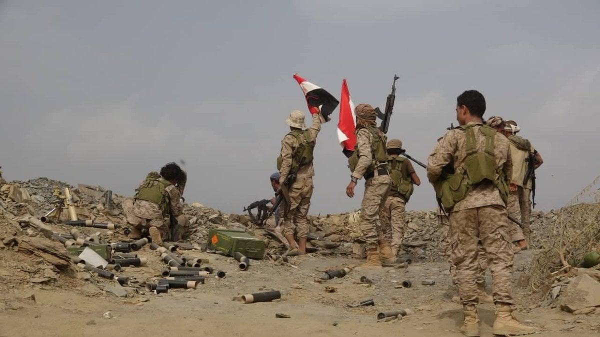 الجيش اليمني يسيطر على معسكر العلله بالضالع.. وانهيار في صفوف ميليشيا الحوثي