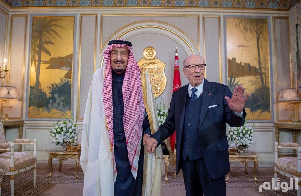 خادم الحرمين الشريفين والرئيس التونسي يعقدان اجتماعا ثنائيا وجلسة مباحثات رسمية