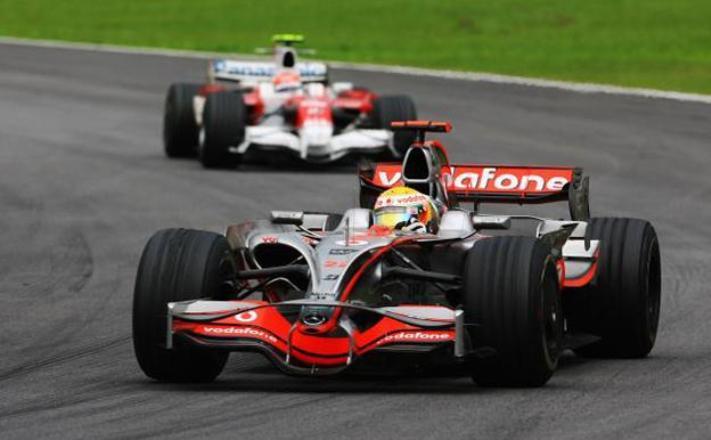 ضربة جديدة لــ«بي إن سبورتس»: سباقات الفورمولا 1 مجاناً على «MBC Action»