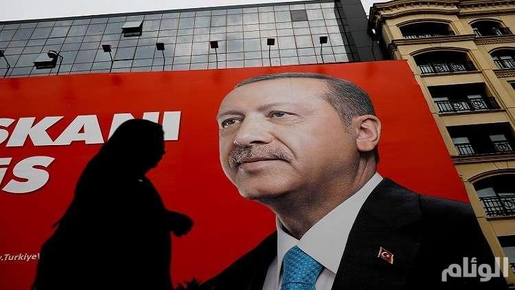أردوغان يوبخ مسؤوليه: ملأنا بطون الجميع وها هي النتيجة