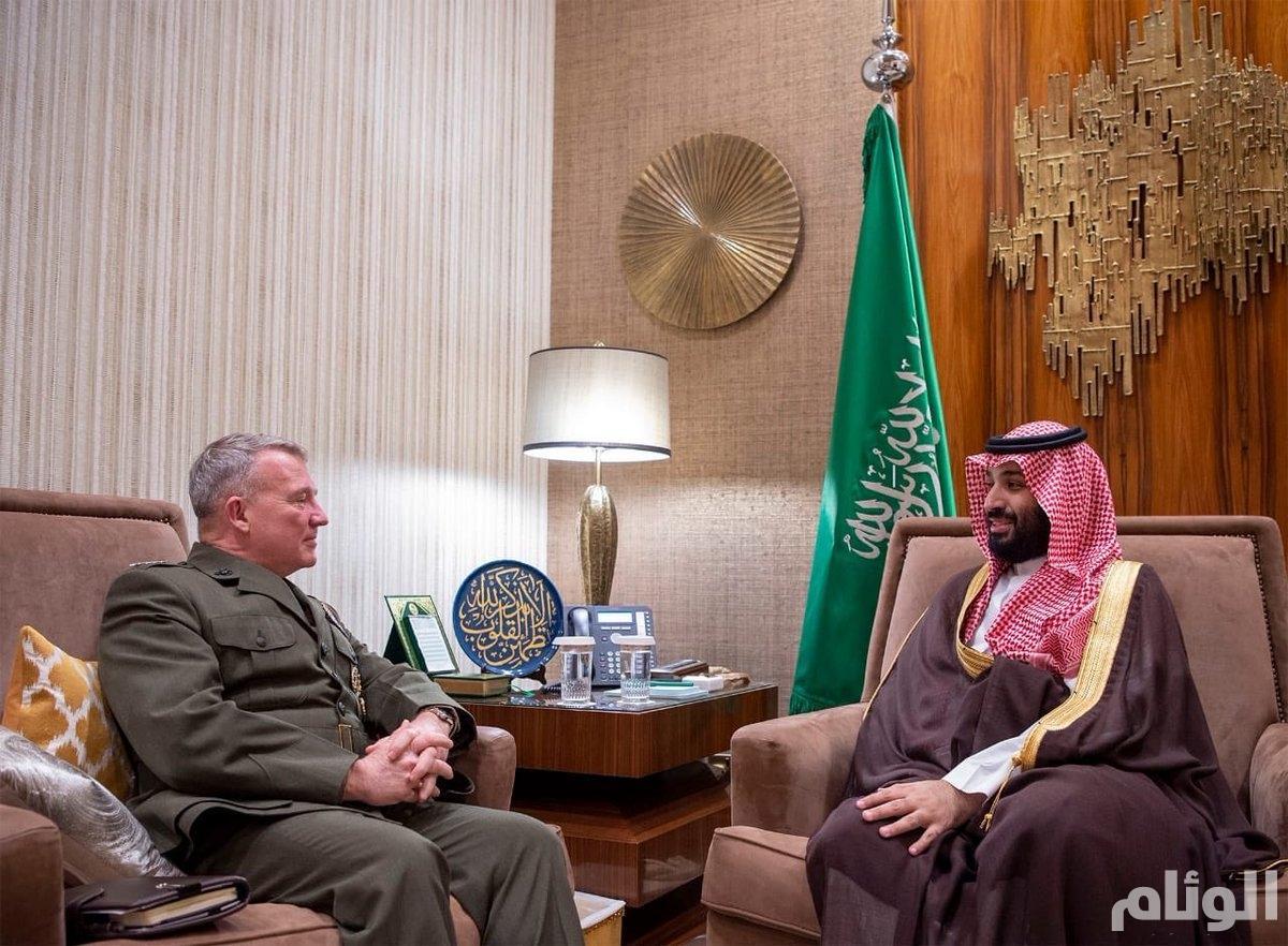 ولي العهد يستعرض مع قائد القيادة المركزية الأمريكية جهود محاربة الإرهاب ومكافحة التطرف