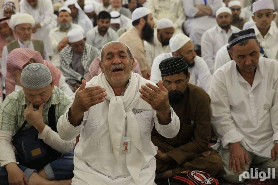 خطيب المسجد الحرام يحذر الأمة الإسلامية من الفتن