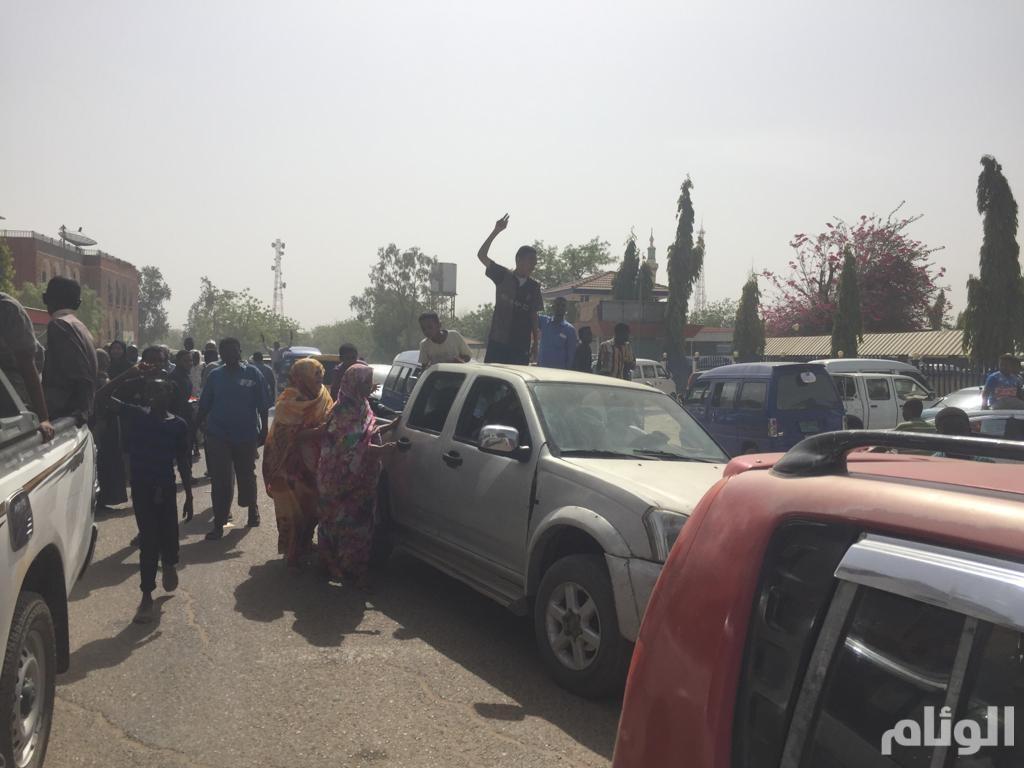أسر المعتقلين السياسيين يقتحمون مكاتب الأمن في السودان