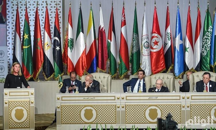 بالصور.. زعماء نائمون في اجتماعات القمة العربية بتونس