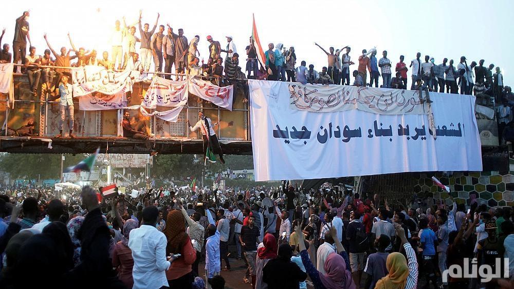 """مصدر أمني سوداني: البشير رهن الإقامة الجبرية.. واعتقال جميع قيادات """"المؤتمر الوطني"""""""