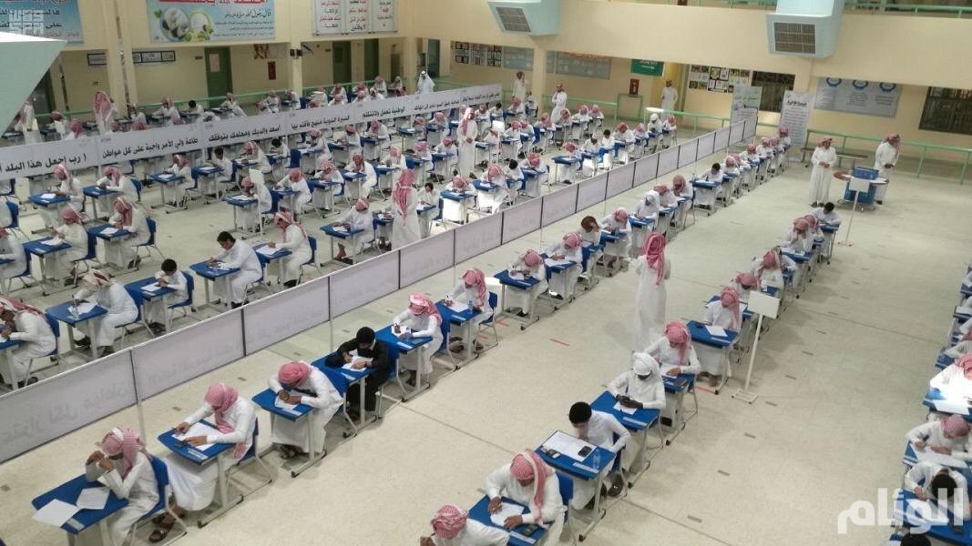 15 ألف طالب وطالبة يؤدون اختبارات نهاية العام بوادي الدواسر