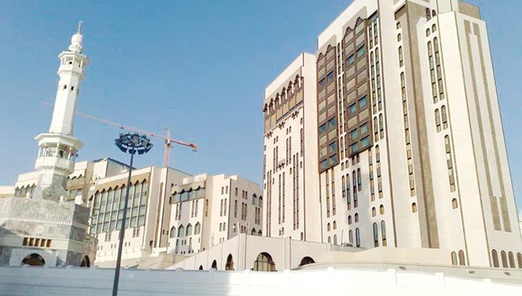 """""""قصر الصفا"""".. هنا تقام قمم مكة تحت مظلة السلام"""
