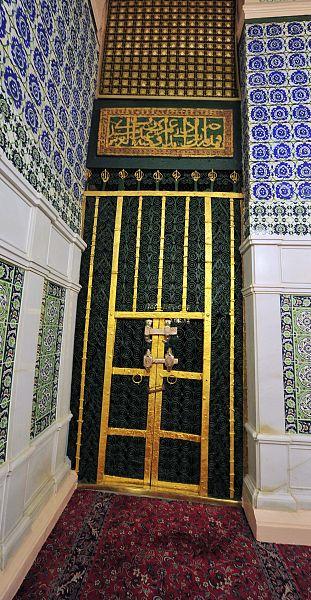أبواب الحجرة النبوية الشريفة.. شواهد السيرة والتاريخ