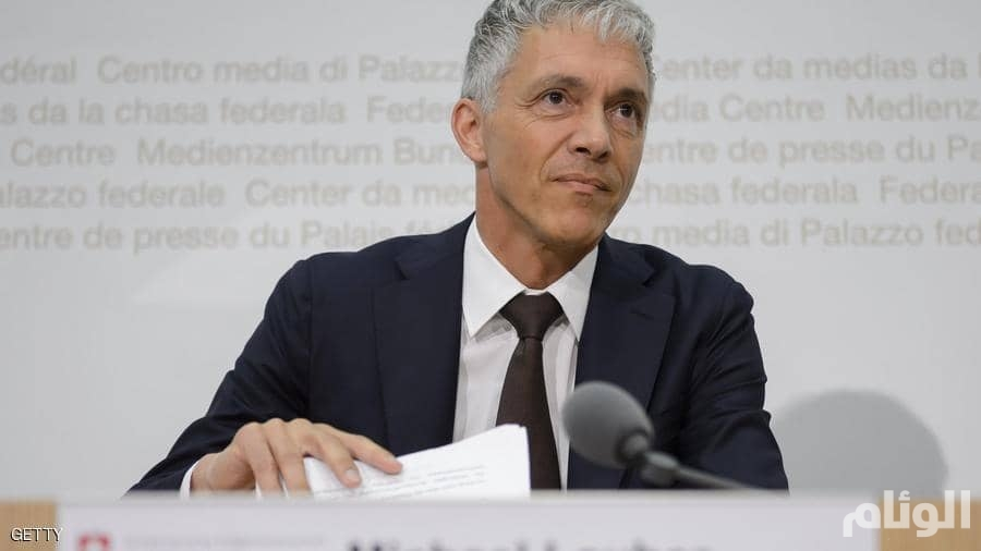 فتح تحقيق مع المدعي العام السويسري بسبب اجتماعات مع رئيس الفيفا