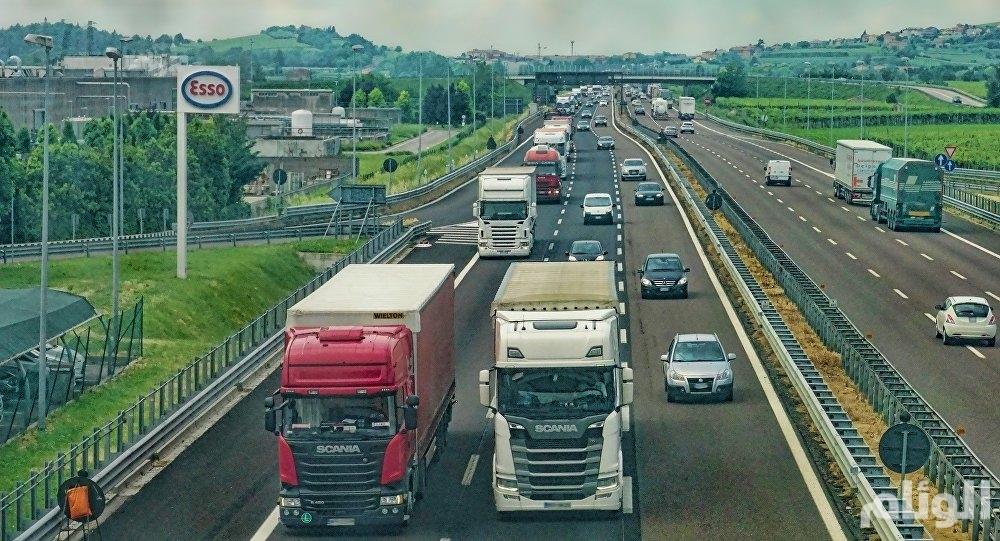ألمانيا تختبر أول طريق كهربائي سريع للشاحنات