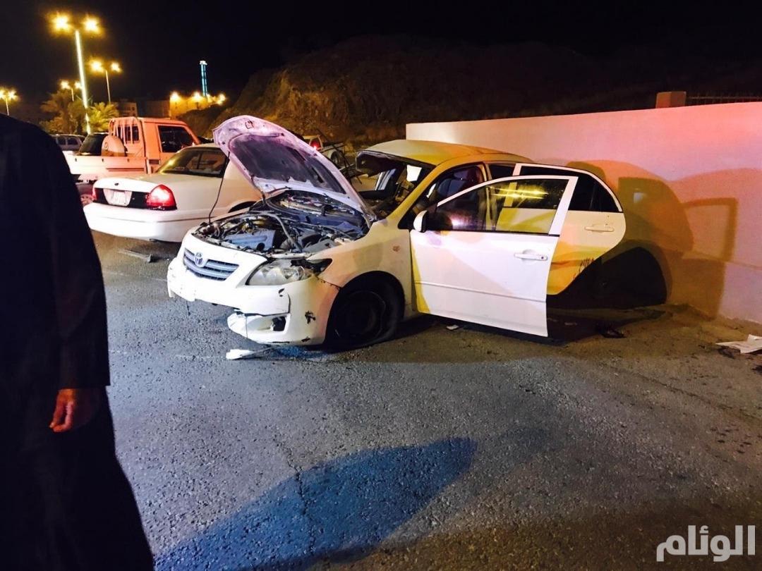 إصابة 4 أشخاص أحدهم حالته خطيرة في حادث تصادم بالمخواة
