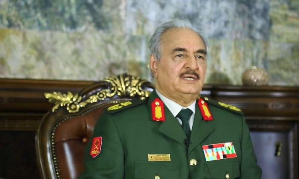 حفتر لمبعوث الأمم المتحدة: طالما أنا على قيد الحياة لن يستطيع أحد تقسيم ليبيا