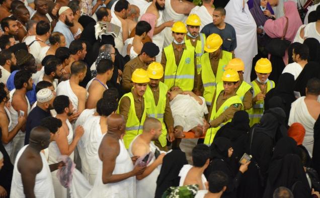 """""""الدفاع المدني"""" ينقذ ويسعف 2180 حالة في المسجد الحرام في الثلث الأول من شهر رمضان"""