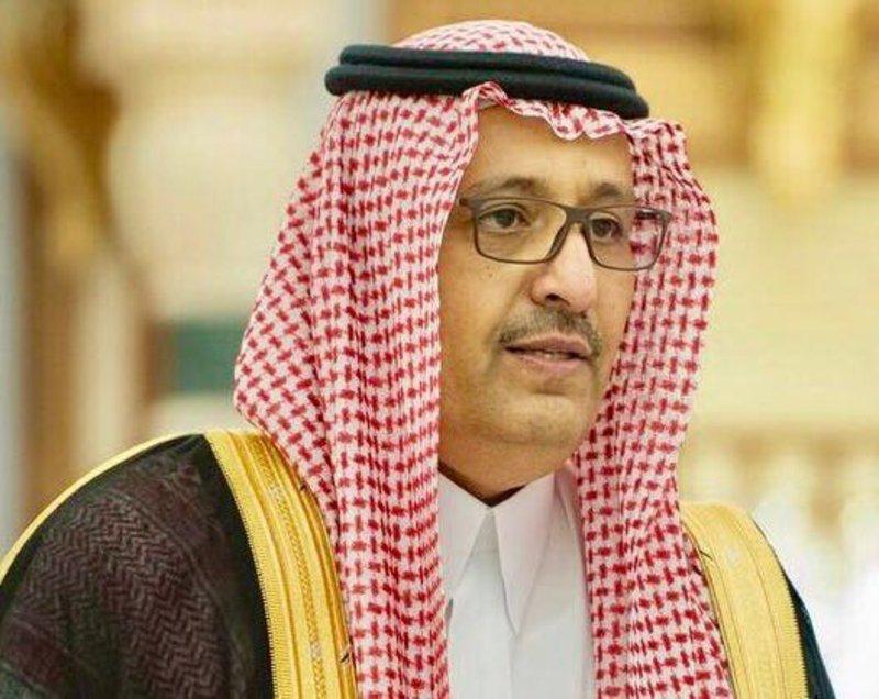 أمير الباحة يشدد على المصارف تغذية ماكينات الصراف بالنقد خلال إجازة العيد
