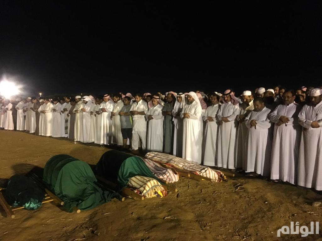 تشييع جثامين ضحايا حادث طريق الصوارمة في جازان (صور)