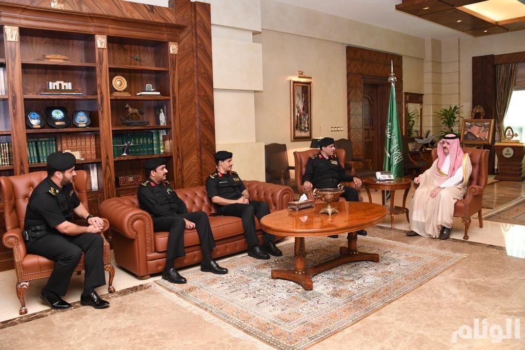 محافظ جدة يشيد بجهود رجال دوريات الأمن في الحد من الجريمة والظواهر السلبية