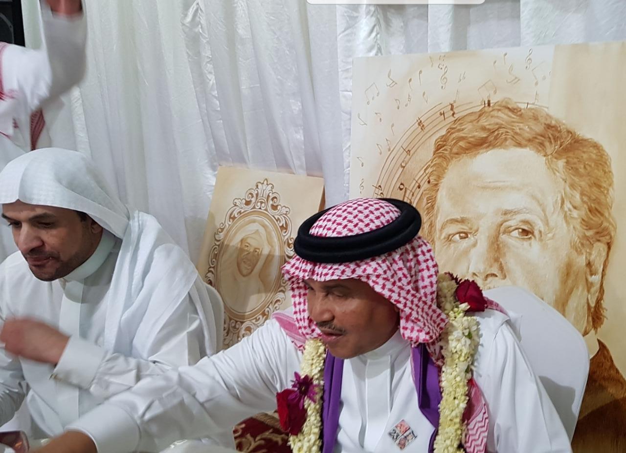 شاهد.. محمد عبده في مقهى عهود