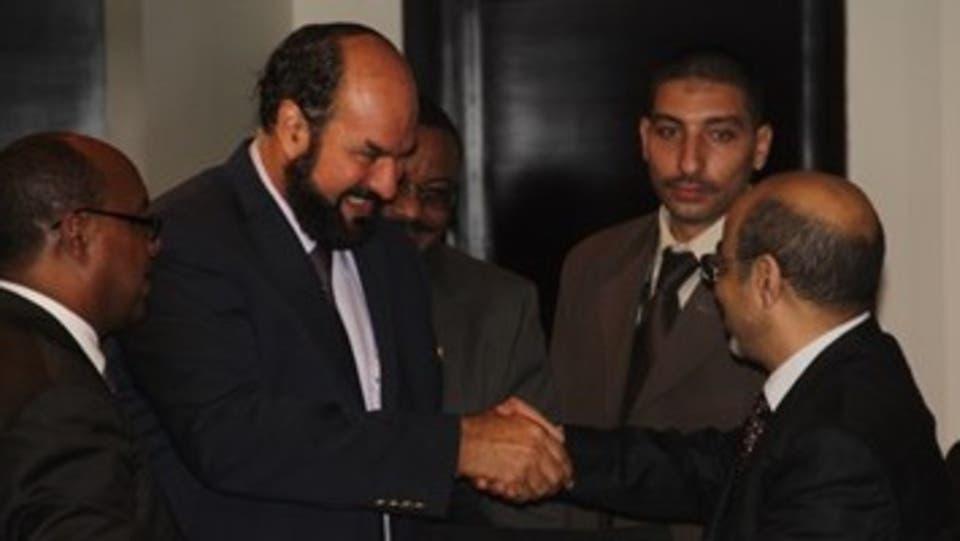 مصر تفجر مفاجأة: المتهم الأول في قضية شركات الإخوان نجل داعية قطري