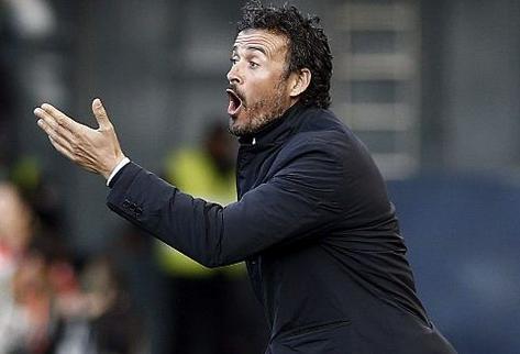 بسبب مشاكل عائلية.. استقالة مدرب المنتخب الإسباني