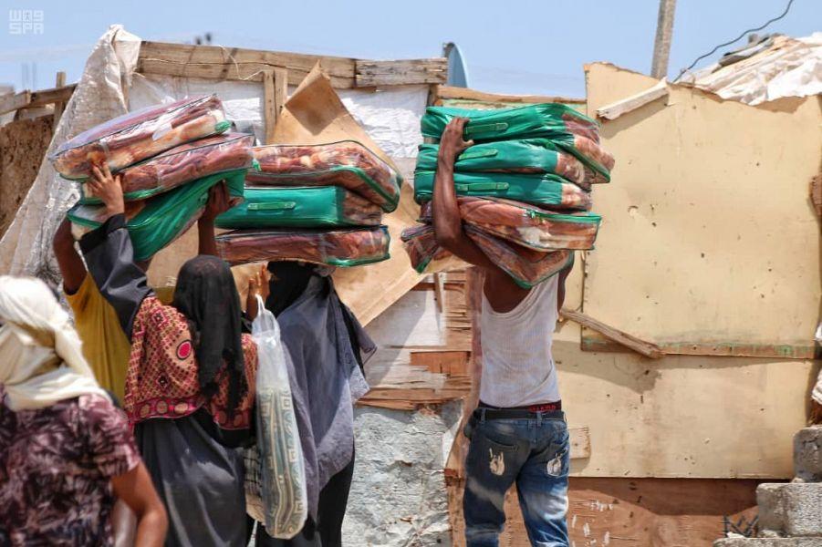 مركز الملك سلمان للإغاثة يطلق حملة مساعدات غذائية وإيوائية عاجلة لمتضرري السيول في عدن ولحج