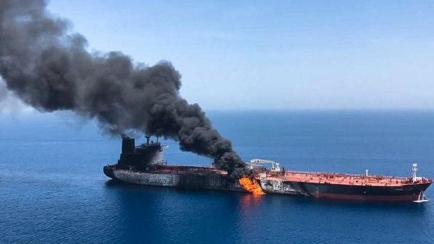 طاقم ناقلة النفط النرويجية يصل إلى دبي قادما من إيران