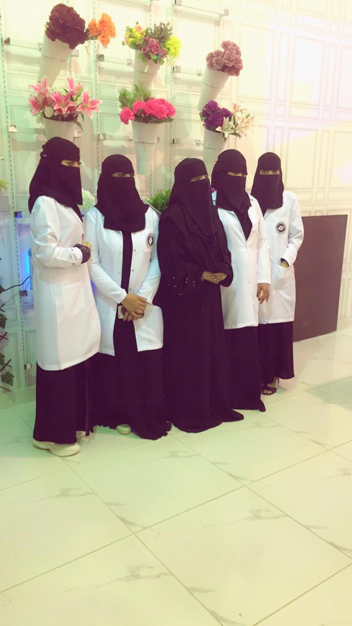 شاهد: فتاة سعودية تدشن مغسلة ملابس بعناصر نسائية