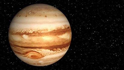 المشتري يظهر في سماء كوكب الأرض ويرى بالعين المجردة