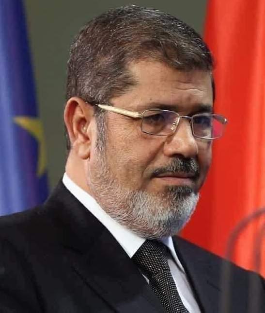 محمد مرسي يوارى الثرى بحضور أسرته