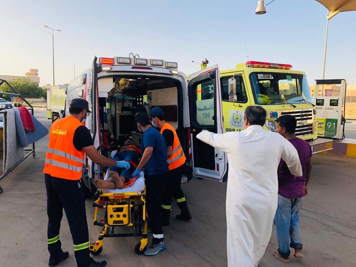 """""""مدني بريدة"""" ينقذ عاملًا سقط داخل خزان محطة وقود"""