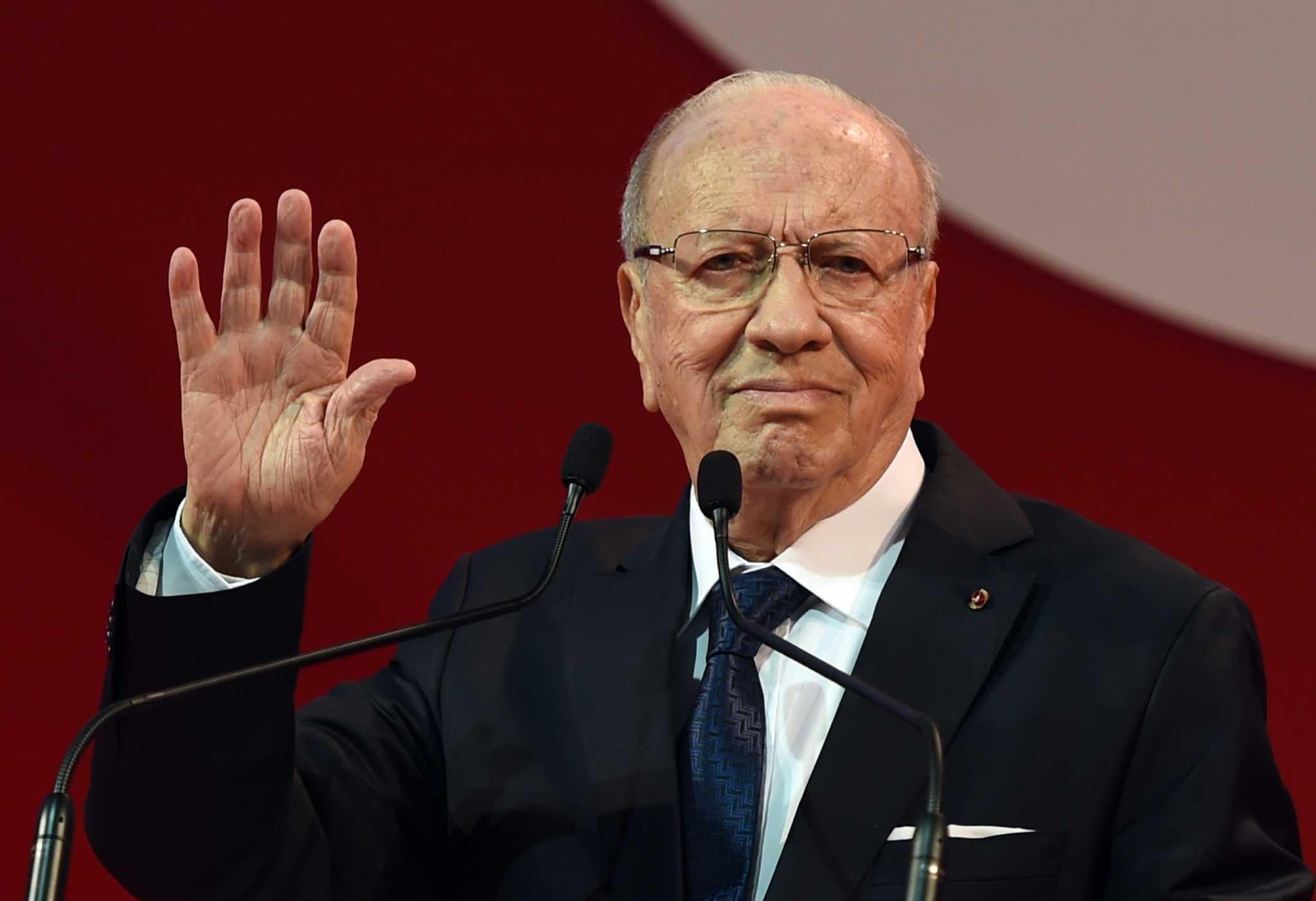 الرئاسة التونسية: صحة قايد السبسي بدأت بالتحسن