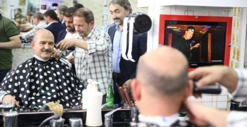 """وزير الداخلية التركي يعير معارضيه بـ""""صالون الحلاقة"""""""