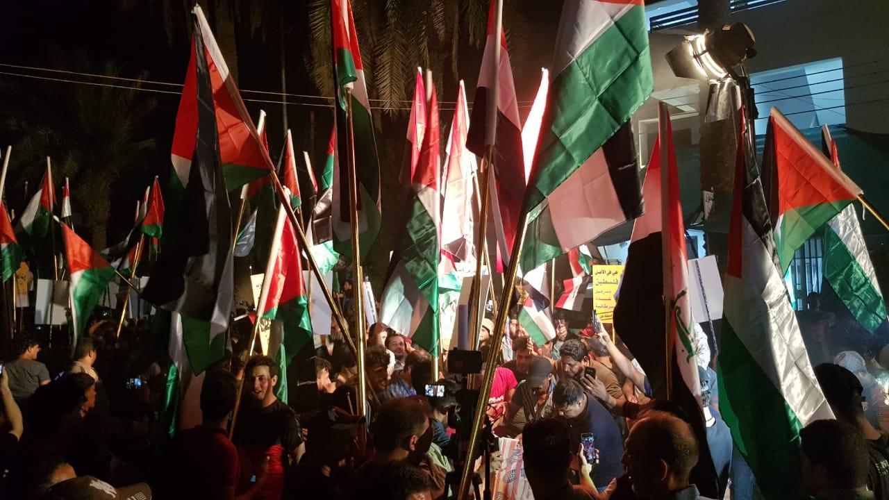 مليشات الحشد الشعبي التابعة لإيران تقتحم سفارة البحرين في بغداد