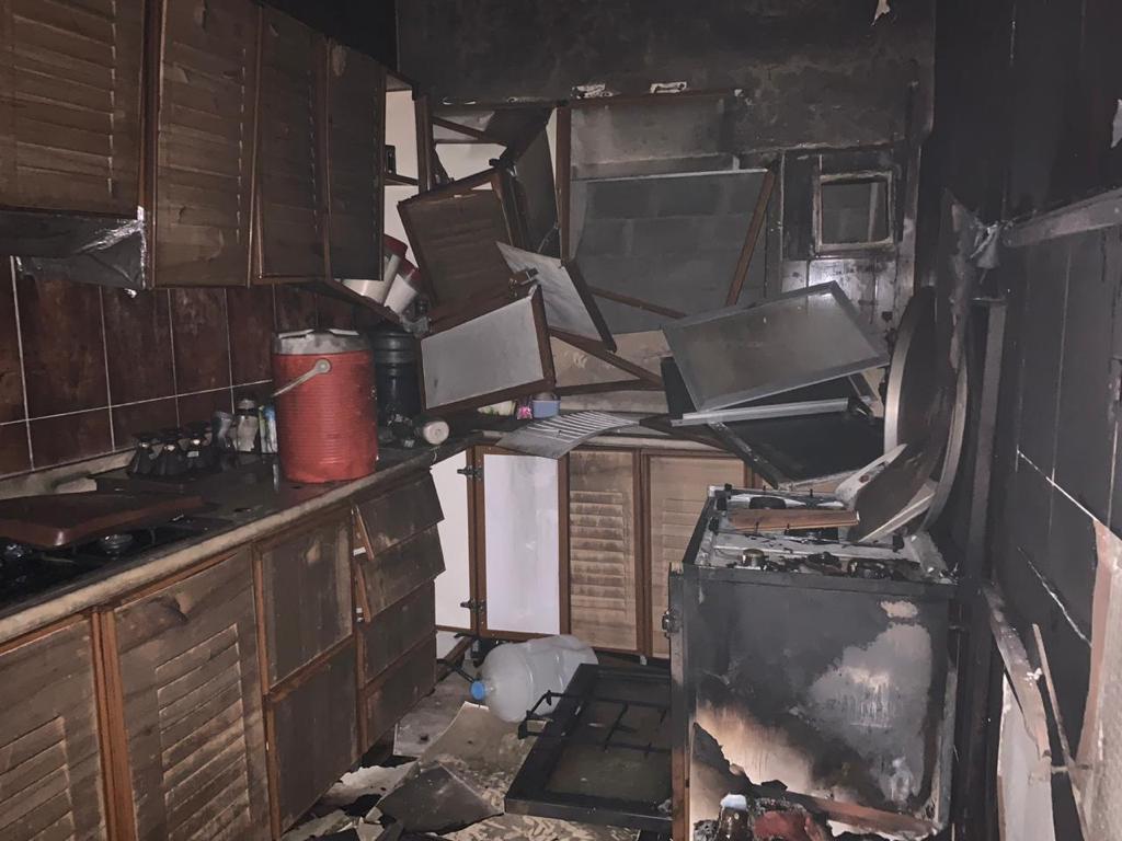بالصور… إخلاء 11 شخصاً من حريق شقة النزهة بالطائف