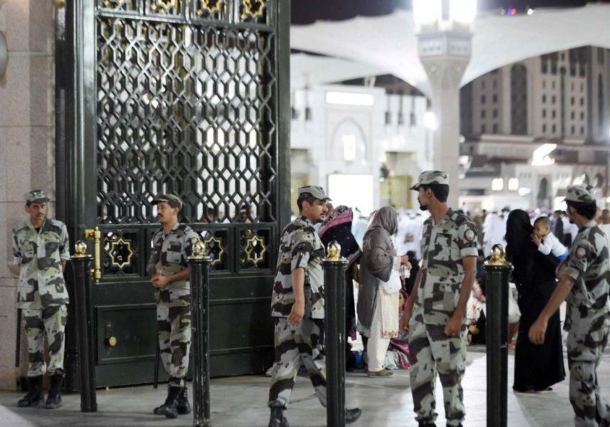 خدمات أمنية وإنسانية تقدمها قوة طوارئ المدينة المنورة لزوار المسجد النبوي