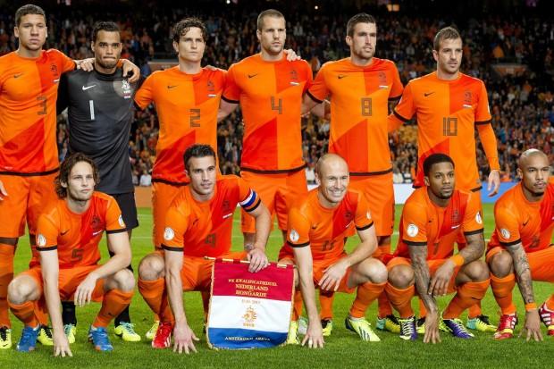 كومان: هولندا ليست جاهزة للفوز بألقاب الآن