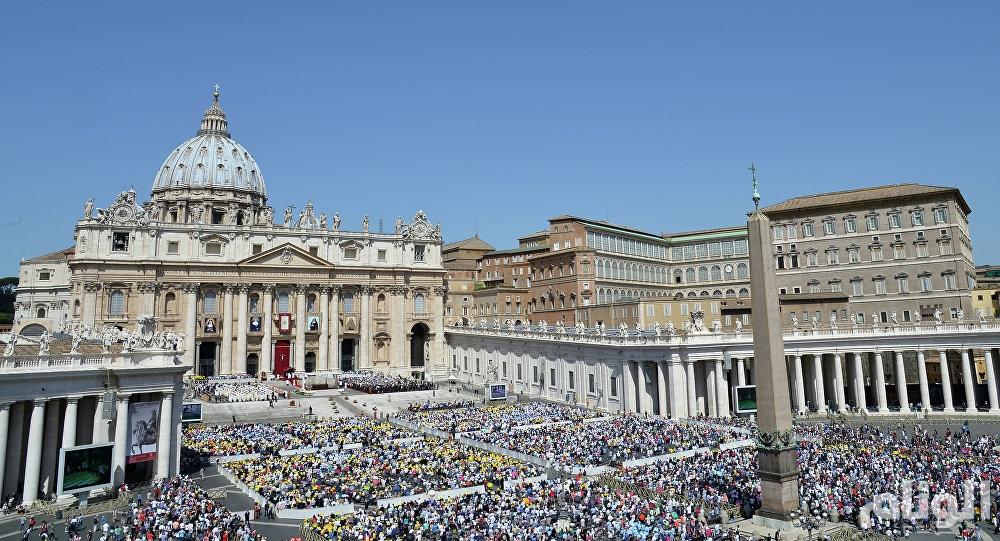 الفاتيكان يفتح مقبرتين بحثا عن حل للغز اختفاء فتاة منذ 36 عاما
