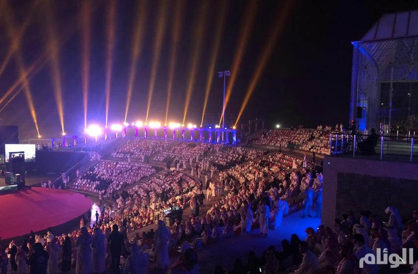 إقبال جماهيري كبير على حفل محمد عبده وأنغام في الباحة