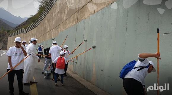 """""""عسير كذا أجمل"""".. حملة لإزالة مظاهر التشوية وعلاج مشكلة الكتابة على الجدران"""