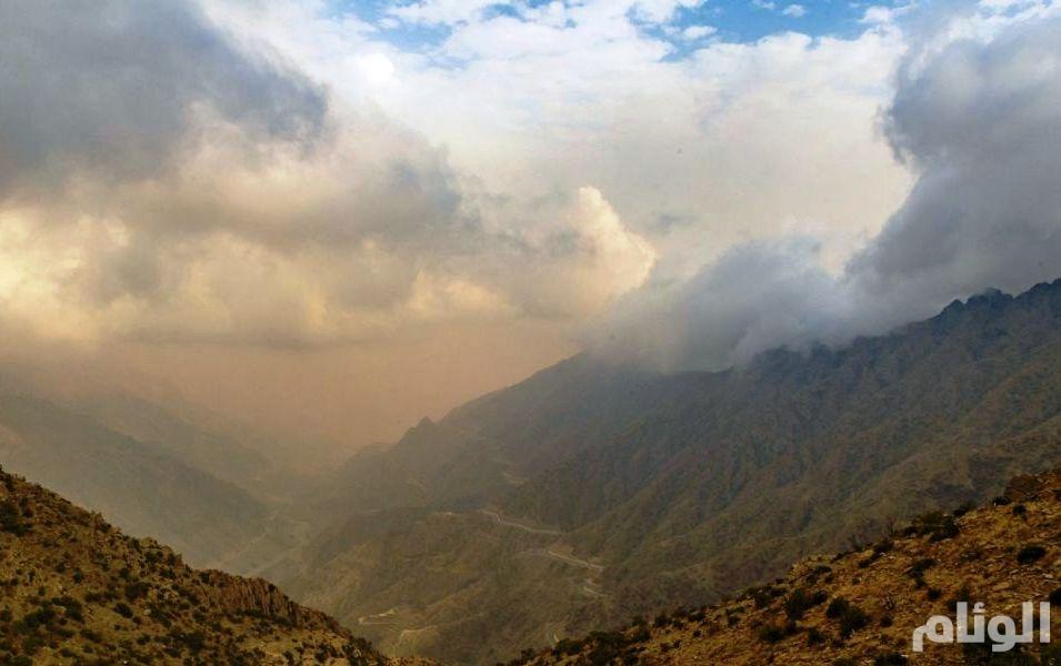 تنبيه عاجل: هطول أمطار رعدية وأتربة مُثارة على منطقة جازان