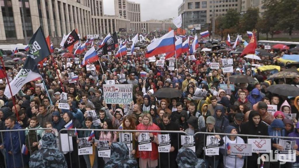 أكبر احتجاج بموسكو في 8 سنوات.. وبوتن يشاهد الدراجات النارية
