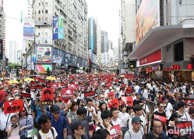 هونغ كونغ تحّذر واشنطن: لا تتدخلوا في الأزمة السياسية