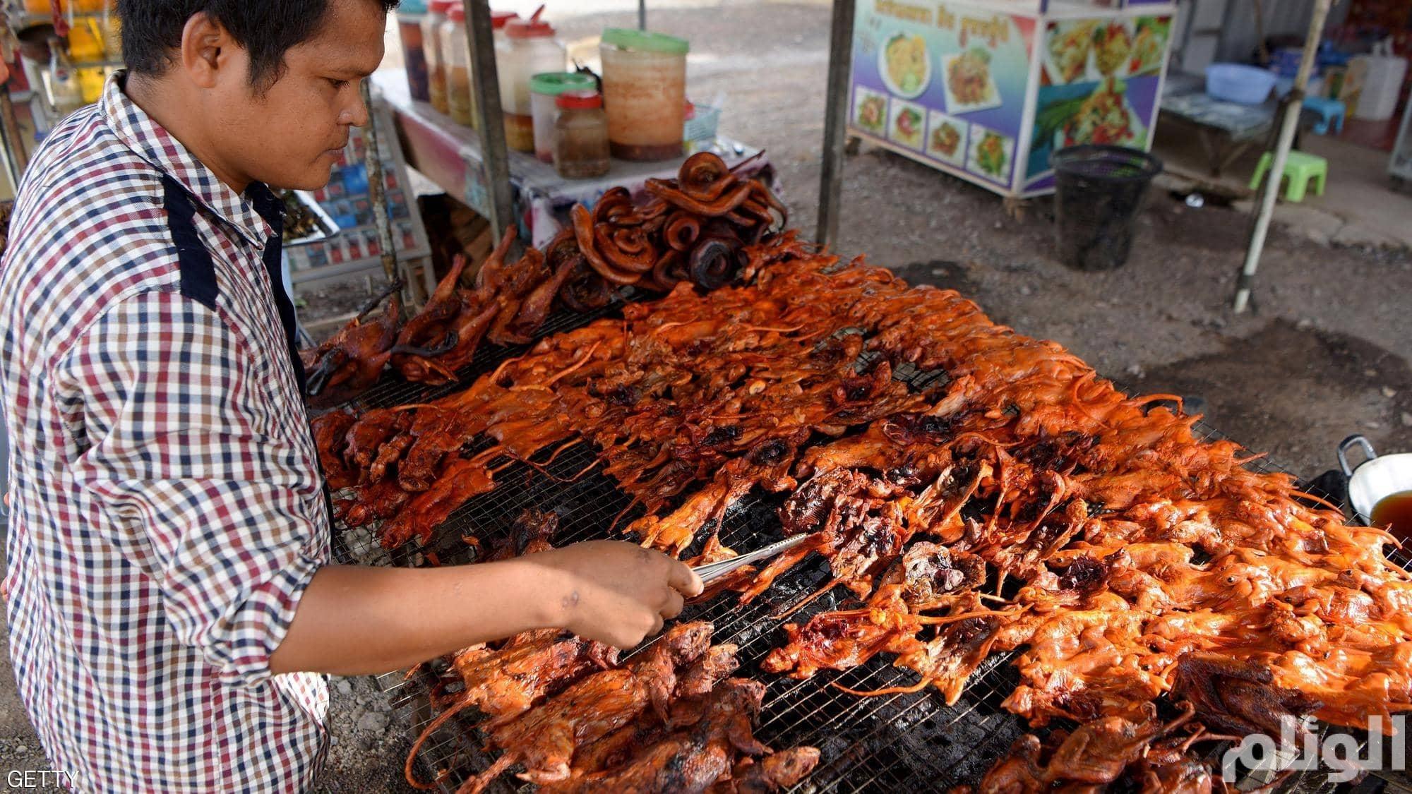 """وجبة """"الفئران المشوية"""" تزداد رواجًا في كمبوديا"""