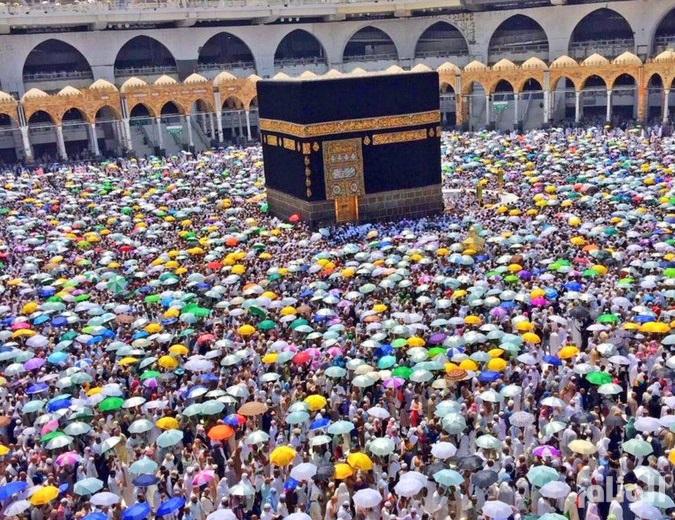 الحجاج يعودون إلى مكة لطواف الوداع دون أي حوادث