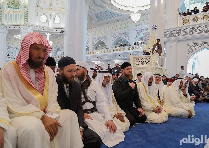 «الشثري» يؤكد مواقف المملكة الراسخة والثابتة في خدمة المسلمين