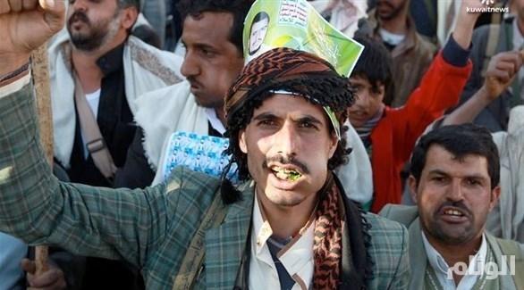 ميليشيا الحوثي تحول مساجد بصنعاء إلى مجالس للرقص والقات
