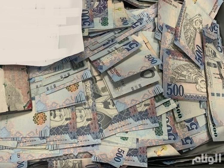 جمرك مطار الأمير محمد بن عبدالعزيز يُحبط محاولة تهريب 3 ملايين ريال